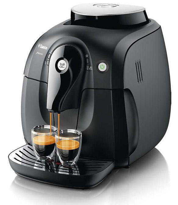 чашка кофе на панели мерседес